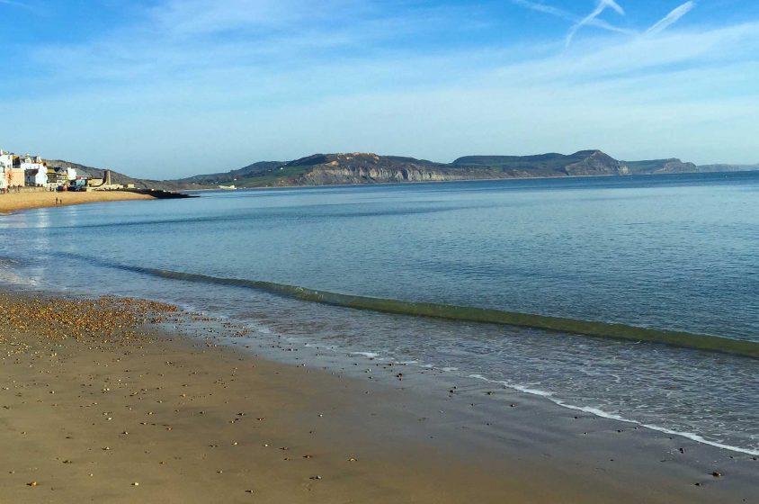homepage-lyme-regis-beach